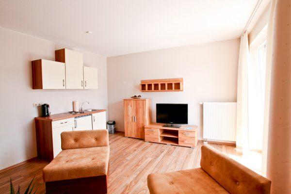 ferienwohnung-hafen-lauterbach-auf-ruegen-wohnzimmer-appartement-2