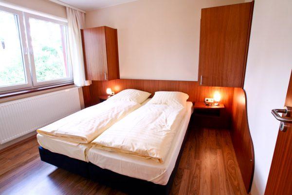 unterkunft-am-hafen-von-lauterbach-auf-ruegen-schlafzimmer-appartement-2