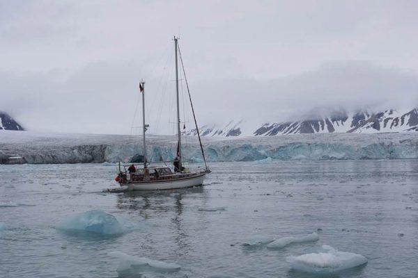 vilm-yacht-eis-segeln-bootsbau-ruegen